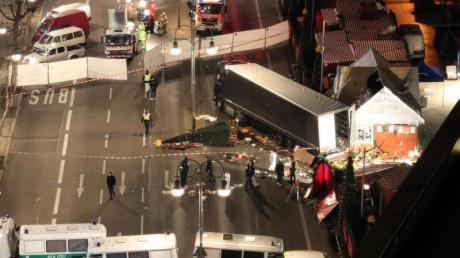 Der Islamist Anis Amri raste am 19. Dezember 2016 in Berlin mit einem Lastwagen auf einen Weihnachtsmarkt und tötete elf Menschen.
