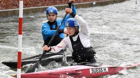 Die Geschwister Hannah und Philipp Süß trainieren bei jedem Wetter - selbst bei Eis und Schnee.
