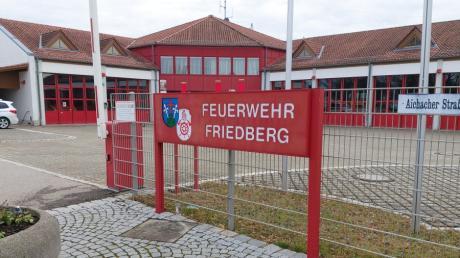 Die Feuerwehrzentrale am Friedberger Volksfestplatz wird erweitert.
