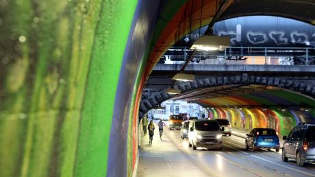 Im Pferseer Tunnel hat sich am Samstag ein tödlicher Unfall ereignet. Ein Auto hatte einen Fußgänger erfasst.