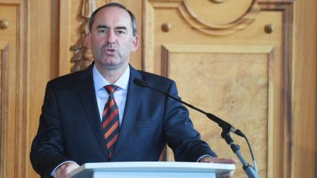Freie-Wähler-Chef Aiwanger fordert rasche Öffnungsschritte aus dem Corona-Lockdown.