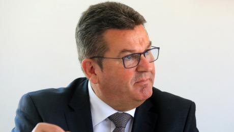 Der CSU-Landtagsabgeordnete Franz Josef Pschierer hätte sich einen anderen Kandidaten für den Bundestagswahlkreis Neu-Ulm gewünscht.