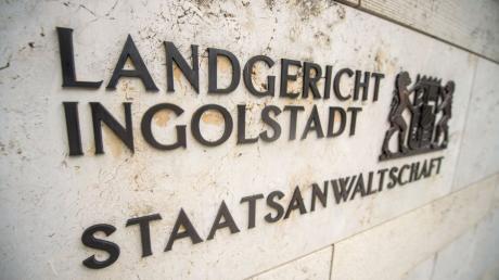 Die Hauptverhandlung wurde unterbrochen und wird nun am 23. Februar fortgesetzt. Dann wird sich wohl auch der Angeklagte kurz äußern, kündigte sein Pflichtverteidiger an.