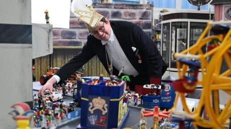 Da 2021 keine Karnevalsumzüge stattfinden dürfen, gibt es die Verantaltung in Offenbach im Miniformat mit Playmobilfiguren.
