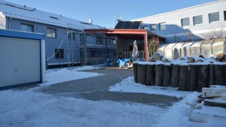 Links neben dem Abbé-Pierre-Zentrum entsteht das Haus für Menschen mit chronischem Alkoholismus und/oder psychischen Problemen.
