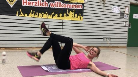 Maike Braunmiller bietet beim TSV Gersthofen Bodyforming online an.