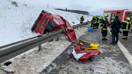 Auf der A8 bei Dornstadt: Ein Kleintransporter kam ins Schleudern.