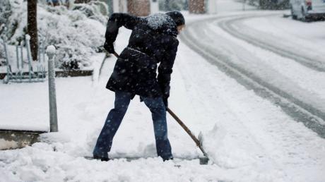 Kehren, Schneeräumen, Hecke schneiden: