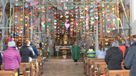 Mit großer Begeisterung wurde die Aktion der Pfarrei St. Adelgundis bei den Gottesdienstbesuchern am Valentinstag aufgenommen.