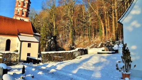 Der Zugang zum Kriegerdenkmal in Untereichen ist auch im Sommer nicht im besten Zustand. Er soll umgestaltet werden.