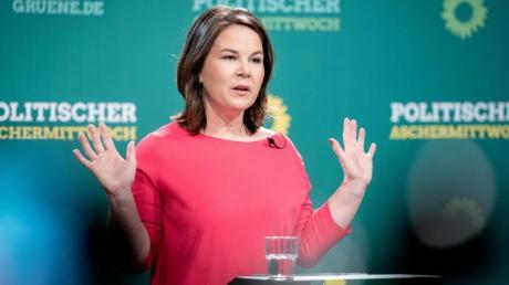 Annalena Baerbock, Bundesvorsitzende von Bündnis 90/Die Grünen, beim digitalen Politischen Aschermittwoch ihrer Partei in der Heinrich-Böll-Stiftung.