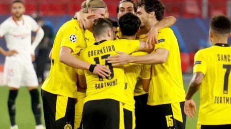 Durch einen 3:2-Sieg beim FC Sevilla machte Borussia Dortmund einen großen Schritt in Richtung Achtelfinale der Champions League.