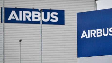 Der Luftfahrtkonzern Airbus hat im abgelaufenen Jahr trotz der Corona-Krise mehr Flugzeug-Bestellungen hereingeholt als Stornierungen kassiert.