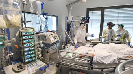 Während sich die Corona-Lage am Krankenhaus Aichach entspannt, sind im Landkreis Aichach-Friedberg zwei weitere Corona-Tote zu beklagen.
