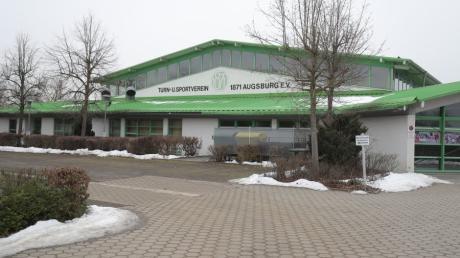 Die Augsburger Sportvereine, wie hier die Halle des TSV 1871 Augsburg in Oberhausen, ist seit nunmehr drei Monaten für seine Mitglieder geschlossen.