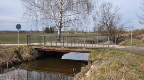Als eine der schlechtesten Brücken im Gemeindegebiet muss das Bauwerk bei der Biogasanlage südwestlich von Buch erneuert werden.