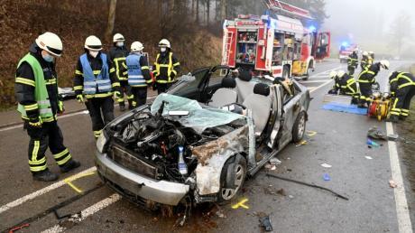 Schwer verletzt wurde ein 23-jähriger Mann am Samstagmorgen bei einem Verkehrsunfall zwischen Blaustein und Arnegg.