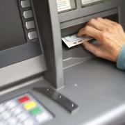 Kunden von Sparkasse und Raiffeisenbank können künftig in Tiefenbach einen gemeinsamen Geldautomaten nutzen.