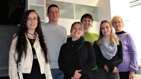 Das Basisteam der Langerringer Wohngruppe freut sich auf Patienten: von links Denise Kratzer, Kai Markhoff, Sabrina Kratzer, Vera Frkovic, Jessica Kratzer und Natalia Schweigert.