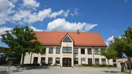 Im Marktgemeinderat in Pfaffenhofen werden die Sitze neu verteilt.