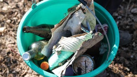 Auch auf Bucher Gemarkung liegt Müll und anderer Unrat In der Landschaft. Bei einer gemeinsamen Sammelaktion im März soll dieser beseitigt werden.
