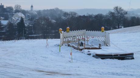 Das Fundament für den neuen Funkmast in Obergriesbach steht bereits. Der Standort ist nach wie vor umstritten.