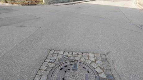 Die Straßendecken in Oberelchingen bleiben geschlossen: Ein Roboter erledigt die notwendigen Arbeiten im Untergrund.