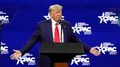 Donald Trump, ehemaliger Präsident der USA, spricht auf der Konferenz CPAC, einer Veranstaltung konservativer Aktivisten. Bei seinem ersten öffentlichen Auftritt seit seinem Ausscheiden aus dem Amt hat der frühere US-Präsident Donald Trump die Neugründung einer eigenen Partei ausgeschlossen.