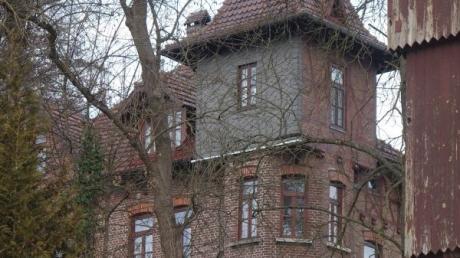Die alte Gagstätter-Villa, aufgenommen von unten aus dem Stadtpark Senden.