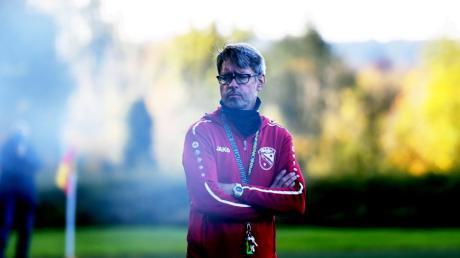Nach zweieinhalb Jahren hört Trainer Charly Pecher beim TSV Neusäß auf und macht den Weg für einen totalen Umbruch frei.