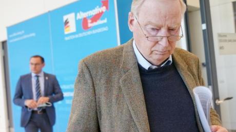 Nicht gerade in bester Stimmung:Der Vorsitzende der AfD-Bundestagsfraktion, Alexander Gauland. Im Hintergrund: AfD-Bundessprecher Tino Chrupalla.