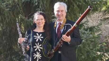 Die Pfarrer Anne-Kathrin Kapp-Kleineidam und Martin Kleineidam bringen sich auch musikalisch ins  Team der Kirchengemeine St. Johannes in Königsbrunn ein.