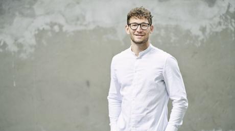 David Wojcik aus Augsburg hat den German Design Award Nevcomer erhalten. Er gilt damit als eines der Nachwuchstalente im Bereich Design in Deutschland.