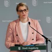 Oberbürgermeisterin Eva Weber informierte am Dienstag bei einer Pressekonferenz der Stadt zur Corona-Lage in Augsburg.