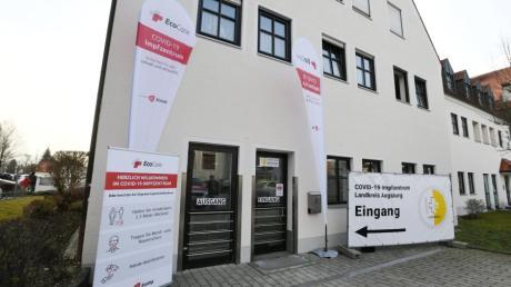 Nach anfänglichen Schwierigkeiten sind die Landkreisbewohner nun insgesamt zufrieden mit dem Ablauf im Impfzentrum in Bobingen.