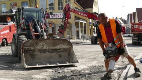 Bei der Sanierung von Straßen muss Bobingen in Zukunft ohne die Straßenausbaubeiträge der Bürger auskommen. Darum sollen die Mehreinnahmen aus der Grundsteuererhöhung hierfür verwendet werden.