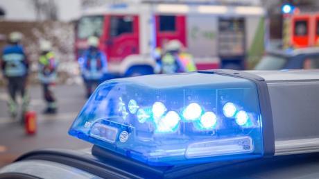 Ein 25-jähriger Bauarbeiter stürzte vier Meter in die Tiefe.