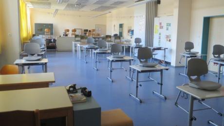 In der Grundschule in Adelzhausen ist genug Platz, damit alle Schüler wieder in die Schule gehen und mit ausreichend Abstand sitzen können.