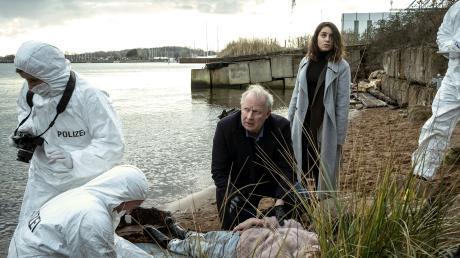 """Klaus Borowski (Axel Milberg) und Mila Sahin (Almila Bagriacik): Szene aus dem Tatort """"Borowski und die Angst der weißen Männer"""", der heute im Ersten läuft."""