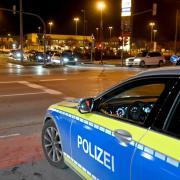 Scharen junger Menschen, die mit ihren Autos unterwegs sind und sich auf Parkplätzen treffen, werden am Samstagabend zum Schwerpunkt der Polizeiarbeit in Ulm.