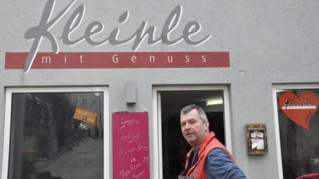 Dieter Kleinle betreibt ein Feinkostgeschäft in Donauwörth. Doch er kämpft ums Überleben.
