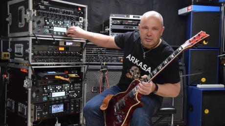 Rock-Gitarrist Cristian Bettendorf aus Königsbrunn steht mit zwei Bands in den Startlöchern und will endlich aus dem Standby-Modus.