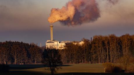 Die Abluft des Müllheizkraftwerks in Weißenhorn soll noch sauberer werden. Die Inbetriebnahme des neuen Systems ist für September 2022 geplant.