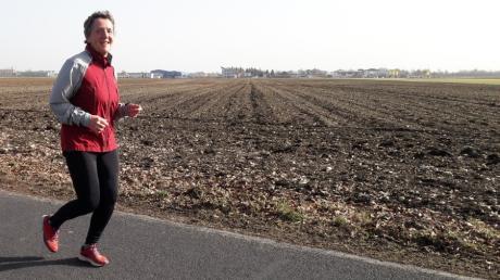 Unser Kollege Reinhold Radloff lief mit Isabella Uhr eine große Runde durch das Lechfeld.