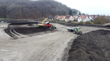 Erste Arbeiten haben schon begonnen für das neue Baugebiet Am Weberanger in Mühlhausen. Die Einnahmen aus dem Verkauf der Baugrundstücke sind ein wesentlicher Posten im diesjährigen Haushaltsplan.