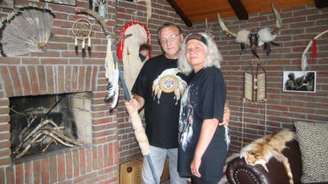 Mit ihrem Indianerzimmer haben sich Martina und Reinhold Summer ihren Lebenstraum erfüllt. Das Foto ist 2019 bei einem früheren Besuch unserer Autorin entstanden.