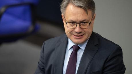 Der ehemalige stellvertretende Unionsfraktionsvorsitzende Georg Nüßlein ist mittlerweile aus der CSU ausgetreten. Doch wer wird sein Nachfolger als Bundestagskandidat?