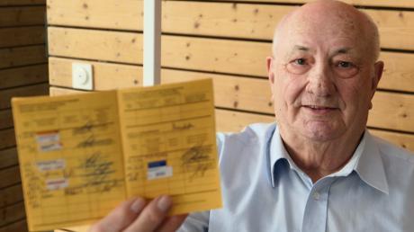 Der Impfpass ist schon recht voll. Die aktuell wichtigste hat Rupert Schmid akkurat an seinem 80. Geburtstag eingetragen bekommen - die erste Impfung gegen Corona.