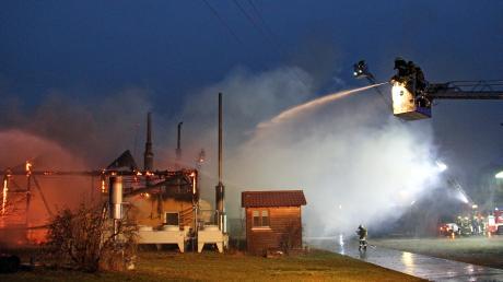 Einen Großbrand hatten die Feuerwehren am Donnerstag nahe Osterberg zu löschen.