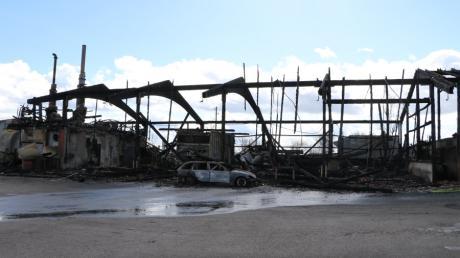 Der Brand auf dem Gelände einer Biogasanlage bei Osterberg hat großen Schaden angerichtet.